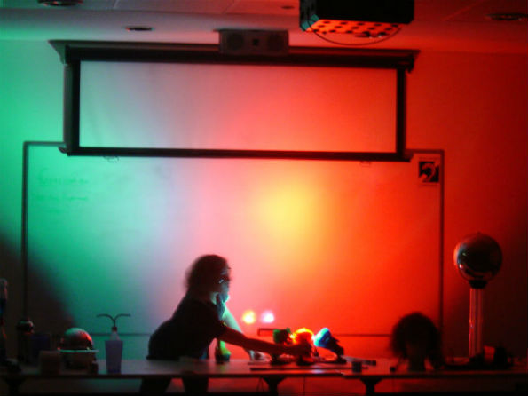 mixing light colours using 3 primary coloured spotlights