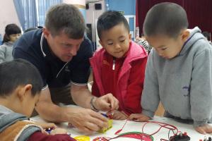 teaching-electricity-in-shenzhen-december-2014-1200px-wide